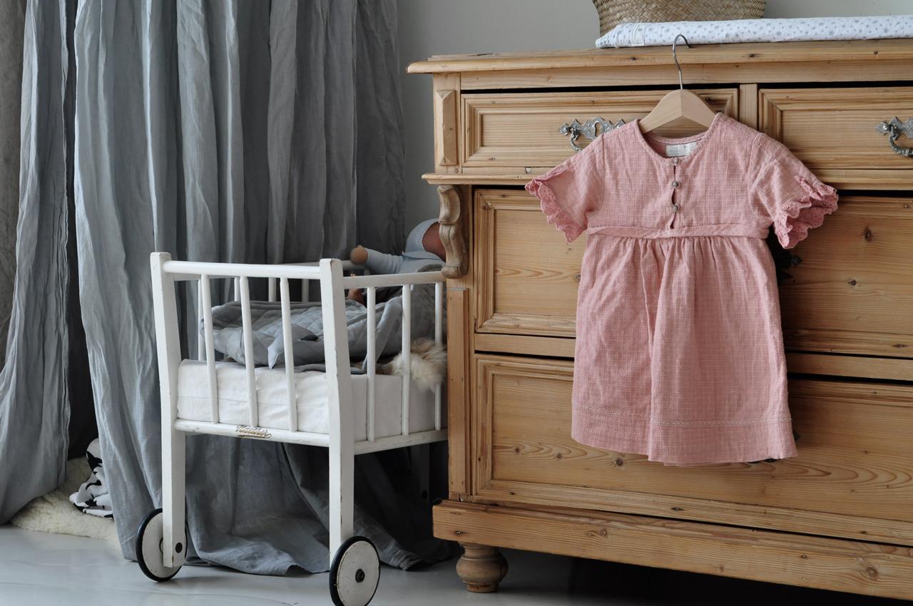 Kinderzimmer Wickeltisch Kommode Puppenbett - Kinderzimmer aufräumen leicht gemacht
