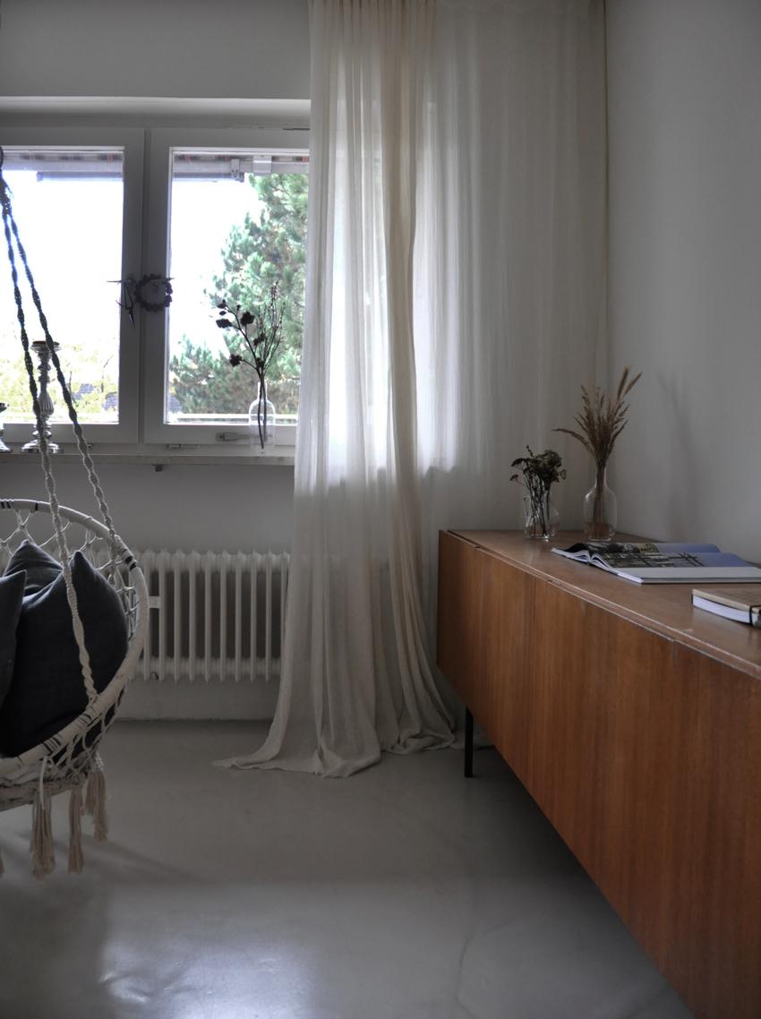 Wohnzimmer Sideboard Blumen getrocknet Vorhang - Meine schlichte Herbstdeko und 2 schnelle Bastelideen für Kinder