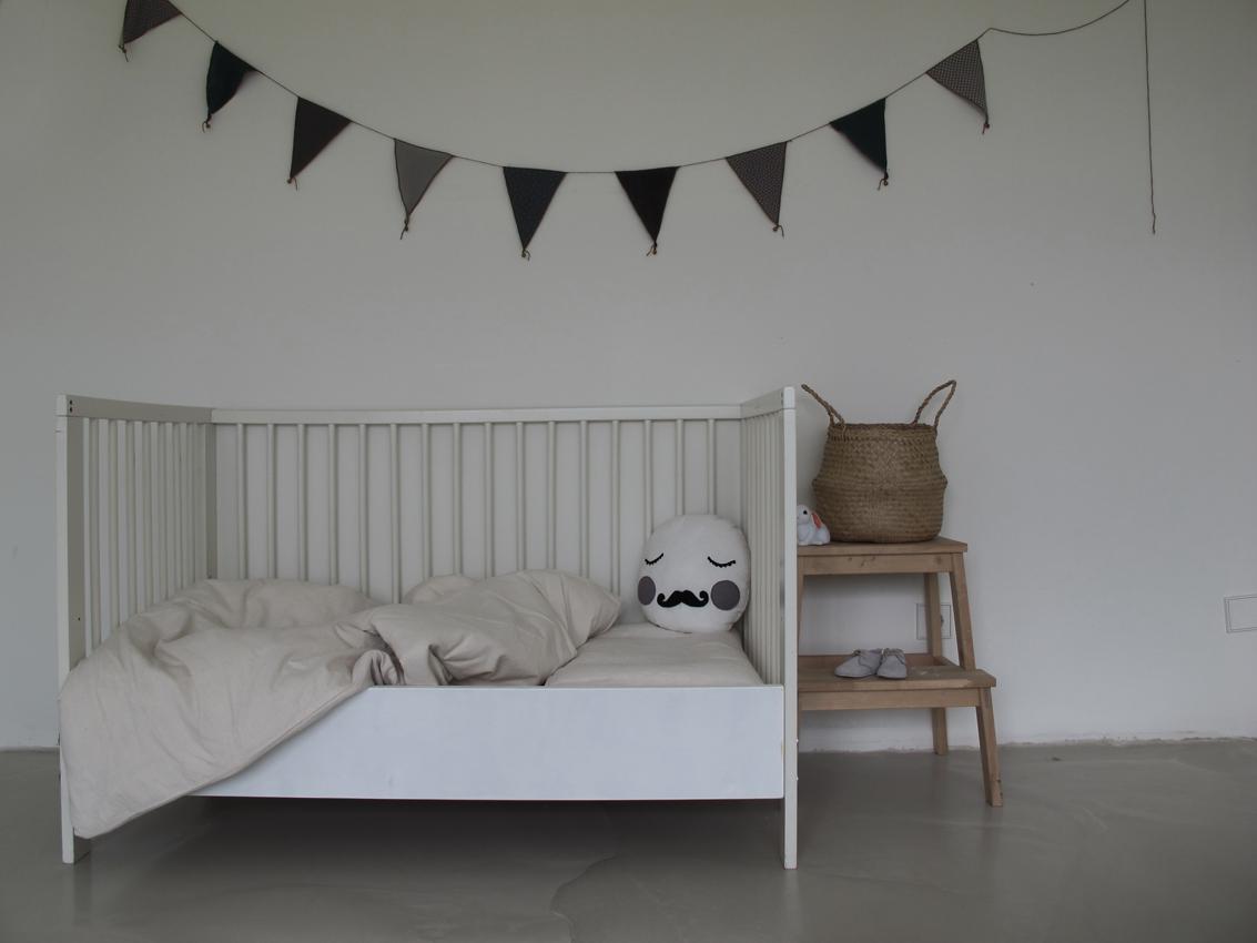 DIY Bettabtrennung Kinderbett Rockmyday - Vom Beistellbett zum Gitterbett in unter 2 Sekunden