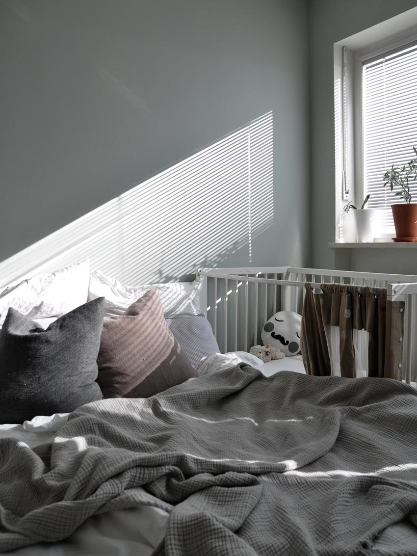 DIY Schlafzimmer Gitterbett Reisebett - Vom Beistellbett zum Gitterbett in unter 2 Sekunden