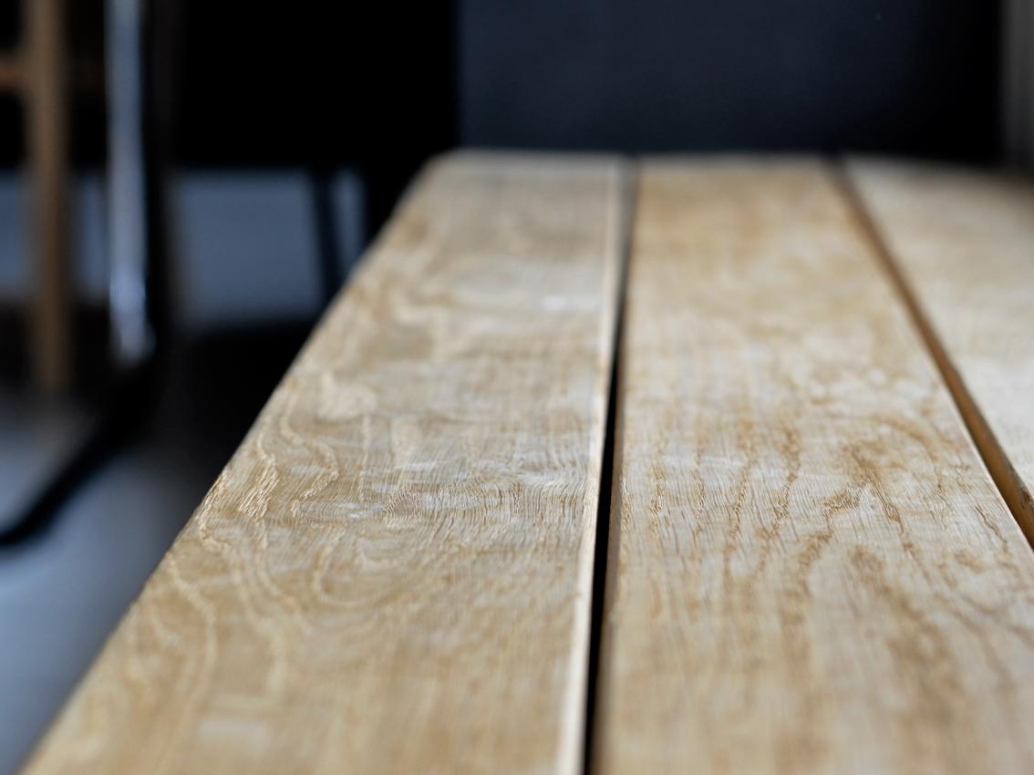 Holzstufe Eiche Holzbank Stauraum Schuhregal - 3 in 1 | Unsere Schuhlösung auf kleinstem Raum