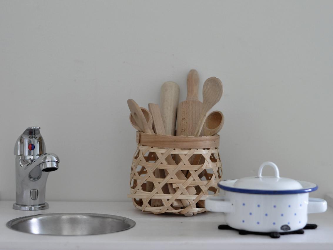 Kinderkueche Kinderwaschbecken Kochgeschirr Kinder - Ikea Hack   Unsere stylische Kinderküche a la DIY