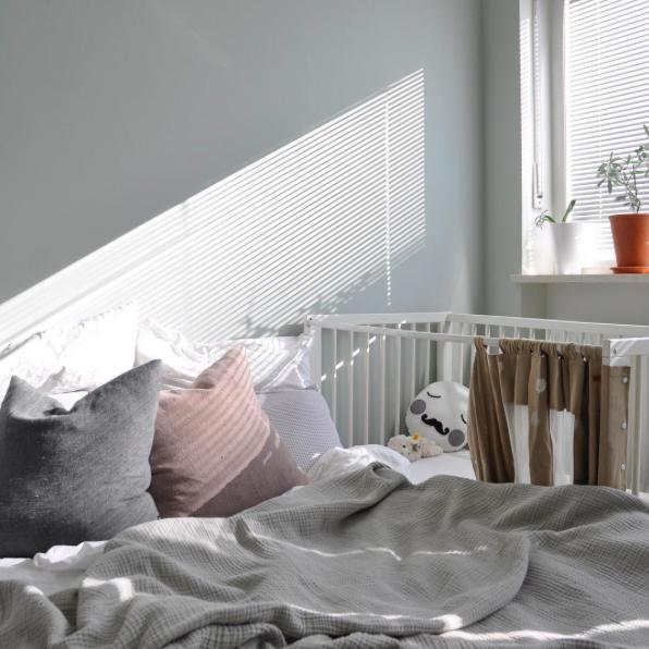 Schlafzimmer  Familienbett Bett Sonnenstrahlen - pictured