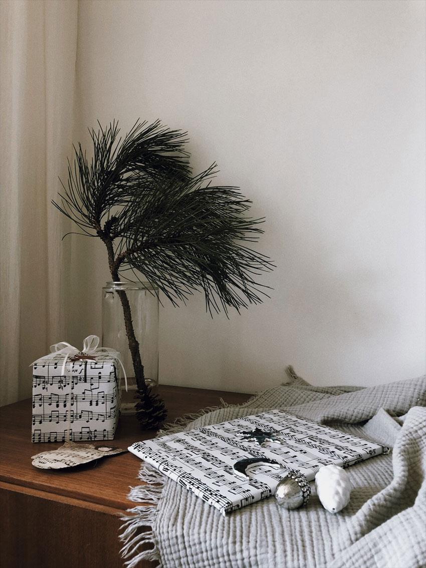 Ausstecher Modelliermasse Geschenkanhaenger Geschenke verpacken - Basteln mit Kindern   weihnachtliche Geschenkanhänger