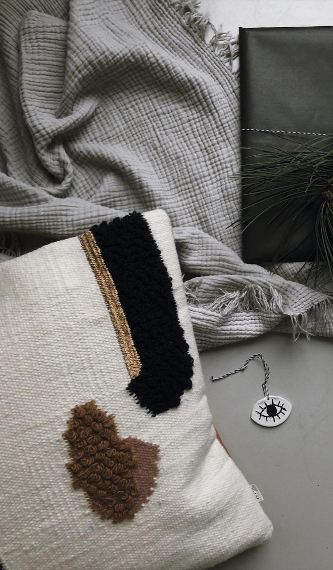 Geschenkanhaenger Auge Modelliermasse Geschenkverpackung Decke Weihnachten - Geschenkpapier + Karte free printable & Geschenkanhänger