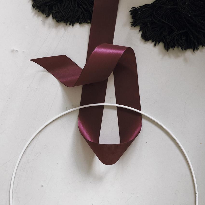 Drahtring weiß Band lila aubergine Geschenkband Schlaufe - DIY | Kinderzimmerdeko aus alten Geschenkbändern