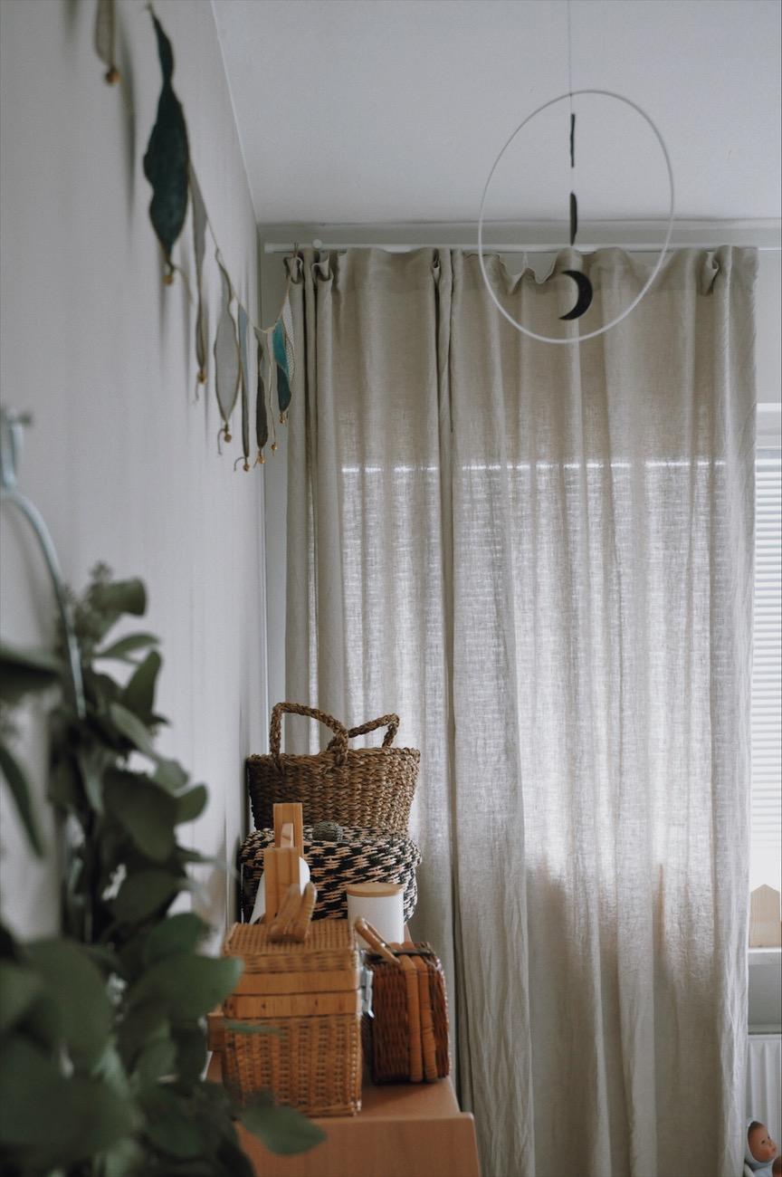 Mondphasenmobile Wimpelgirlande Regal Geschwisterzimmer - Geschwisterzimmer | wenn das Baby mit dem Kleinkind