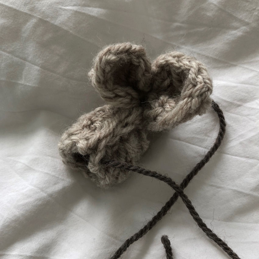 4 Hasenohren gestrickt Hase Osterhase Kuscheltier Wollnadel Wolle GOTS - DIY   gestrickter Osterhase   simpel einfach schön