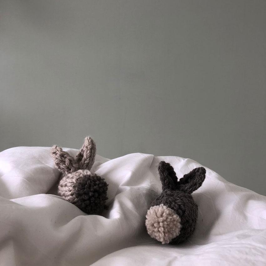 Osterhase Hase gestrickt waldorf einfach Kuscheltier - DIY   gestrickter Osterhase   simpel einfach schön