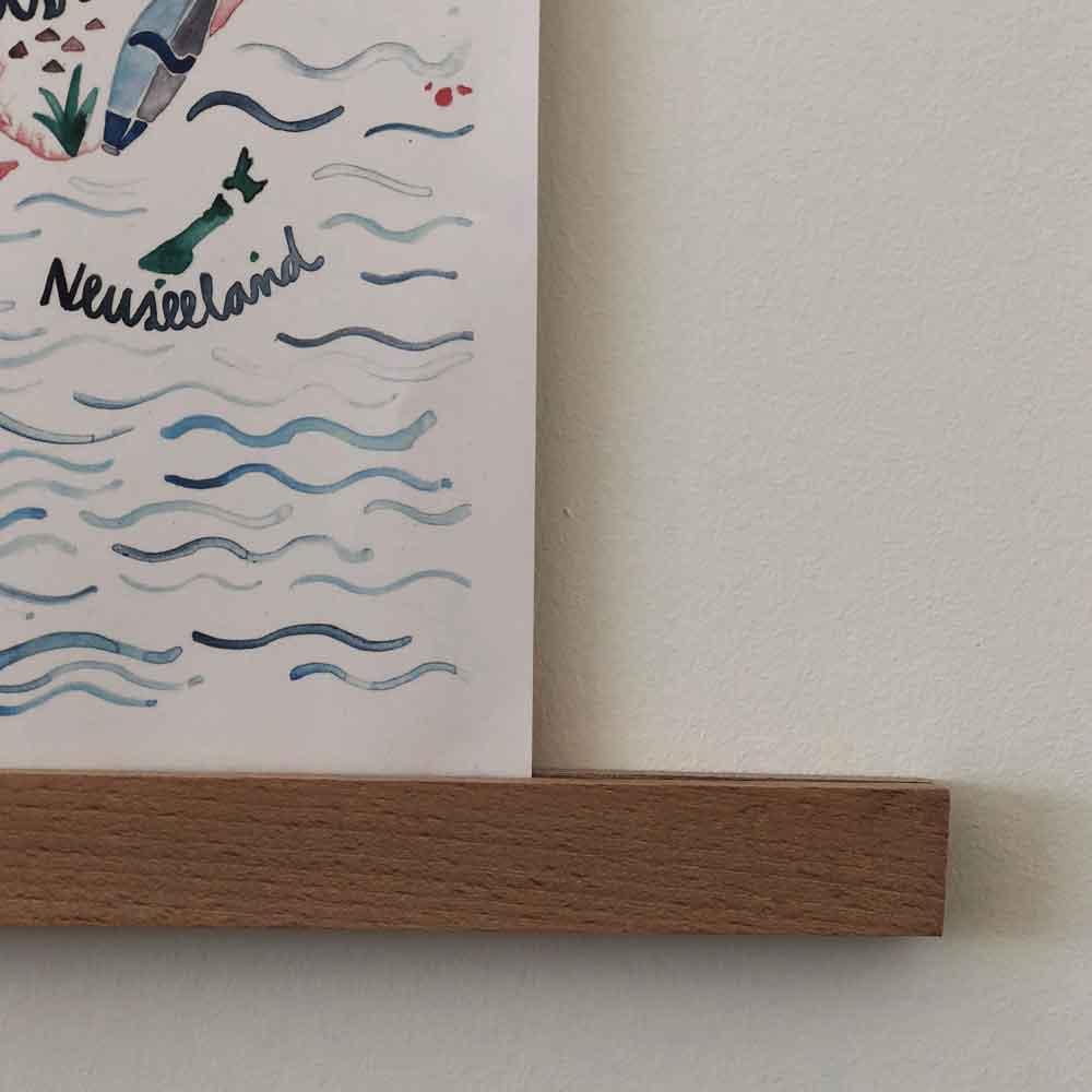 DIY Poster Bilderleiste Bilderrahmen Holz Holzleiste nah vorne - DIY | Bilderrahmen in unter 2 Minuten einfach selber machen