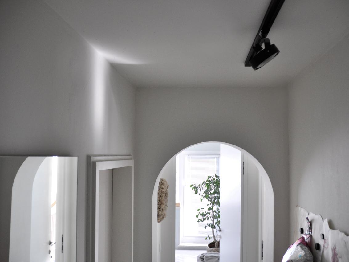 Architektur Flur Spiegel Magnetwand Deckenlampe - Einen Flur richtig gestalten