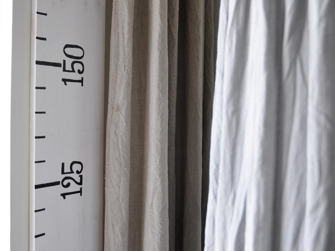 Kinderzimmer Vorhang Baldachin Messlatte Messlineal Kind - DIY Messlatte für Kinder