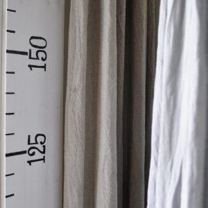 Kinderzimmer Vorhang Baldachin Messlatte Messlinealjpg 300x300 - DIY Messlatte für Kinder