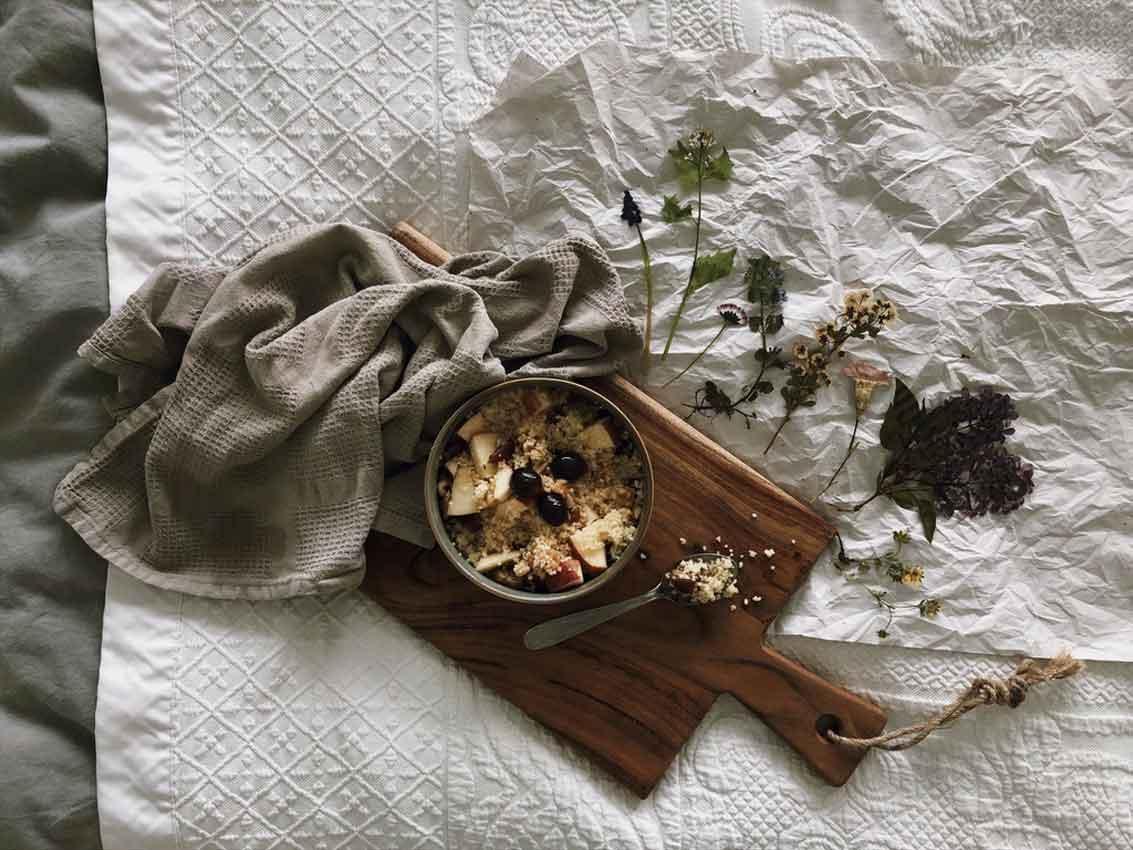 Couscous sues Obst Kerne Blumen Soulfood - süßer Couscous ganz ohne Zucker