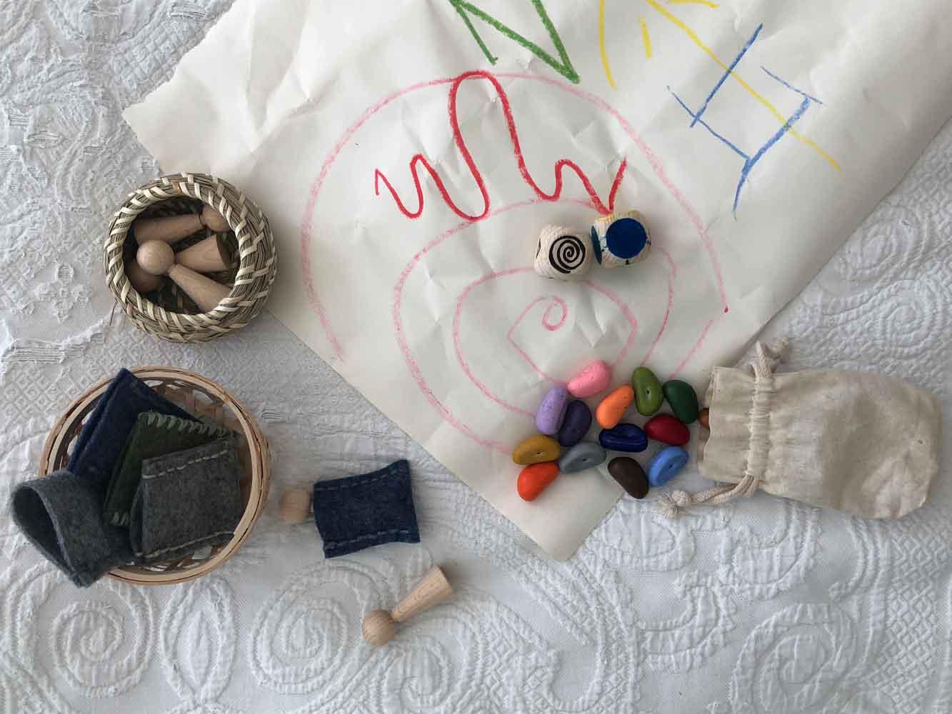 Holzwuerfel Figurenkegel motorisch Spiel Malen Farbenlehre - DIY | Geschicklichkeit & Malspaß - 2 kleine schnelle Spielideen für unterwegs