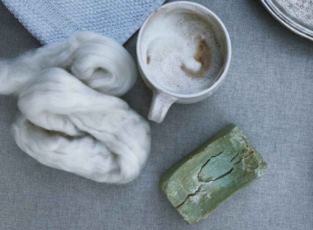 Filzen Filzwolle Kaffee Seife Naßfilzen 1024x752 - Grundkenntnisse im Naßfilzen mit Kindern