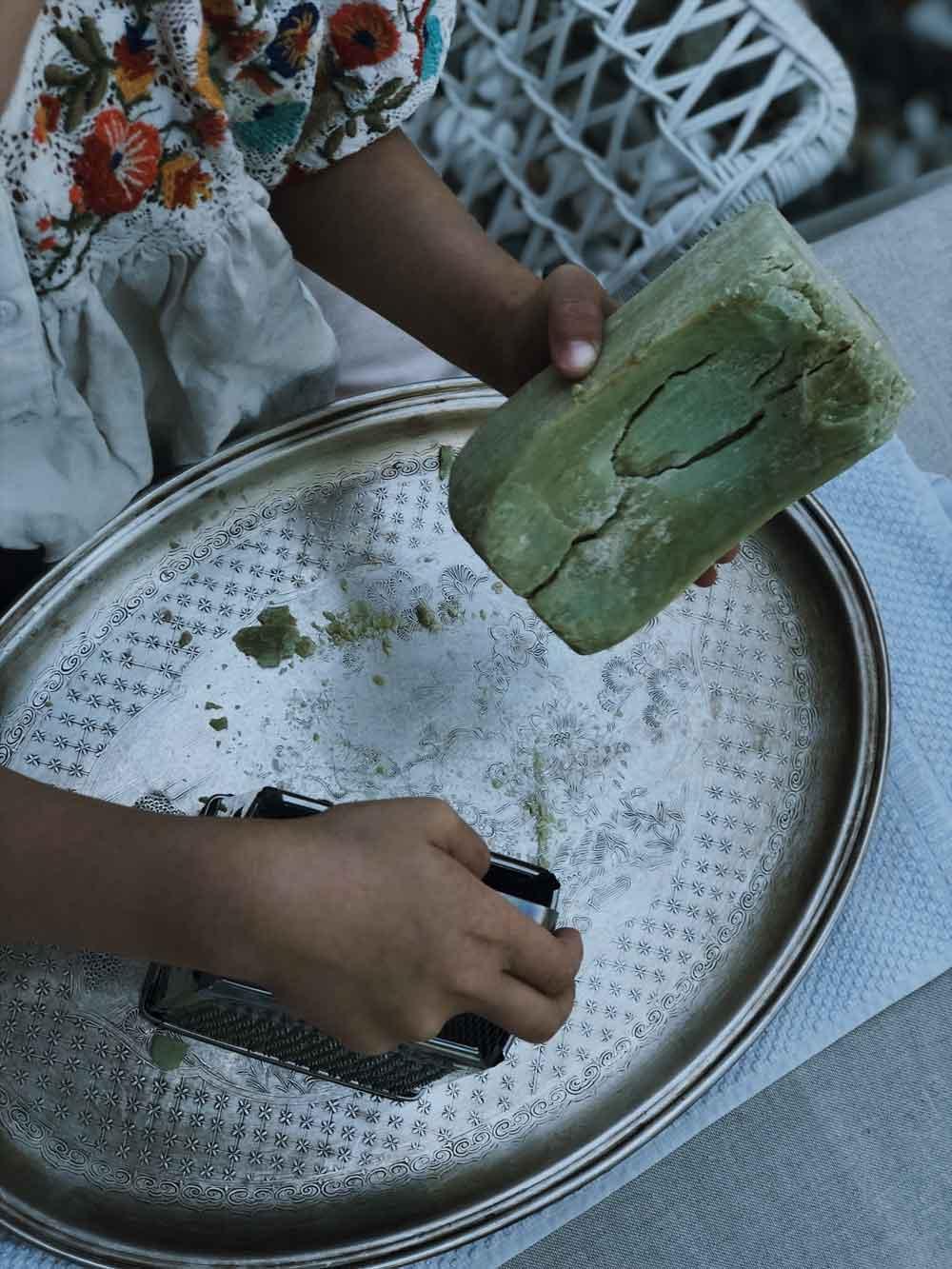 Naßfilzen Grundkenntisse Seife Seifenwasser Kinder - Grundkenntnisse im Naßfilzen mit Kindern