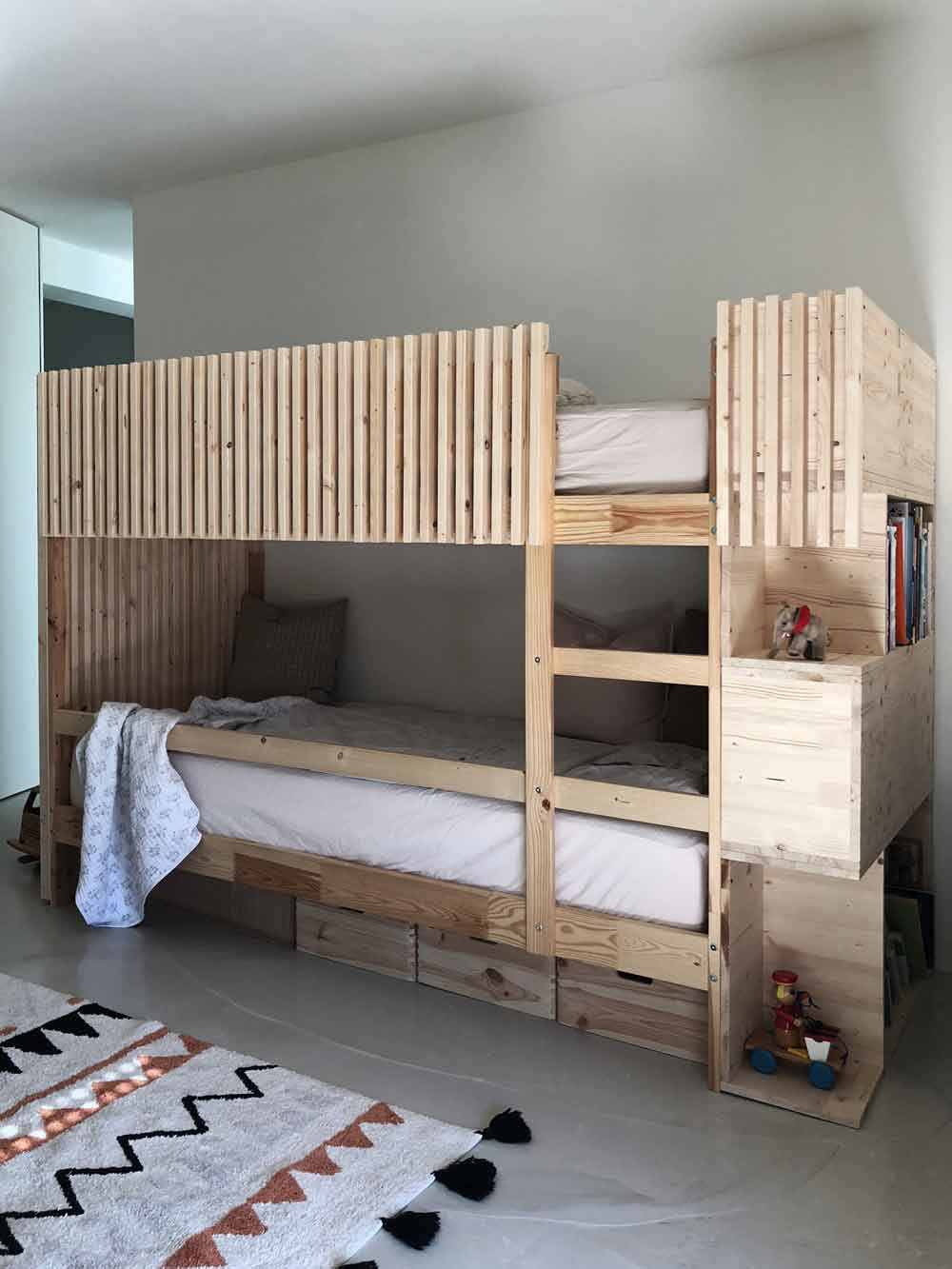 Stockbett Kinderzimmer vintage individuell Holz - DIY | ein Stockbett aus Holz einfach selber machen