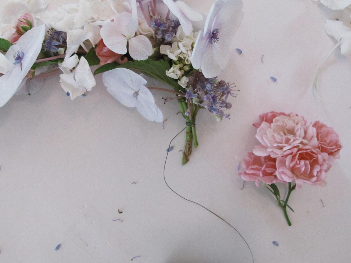 Blumenkranz Kranz binden Haarkranz - DIY | wunderschöne Blumenkränze - einfach und simpel