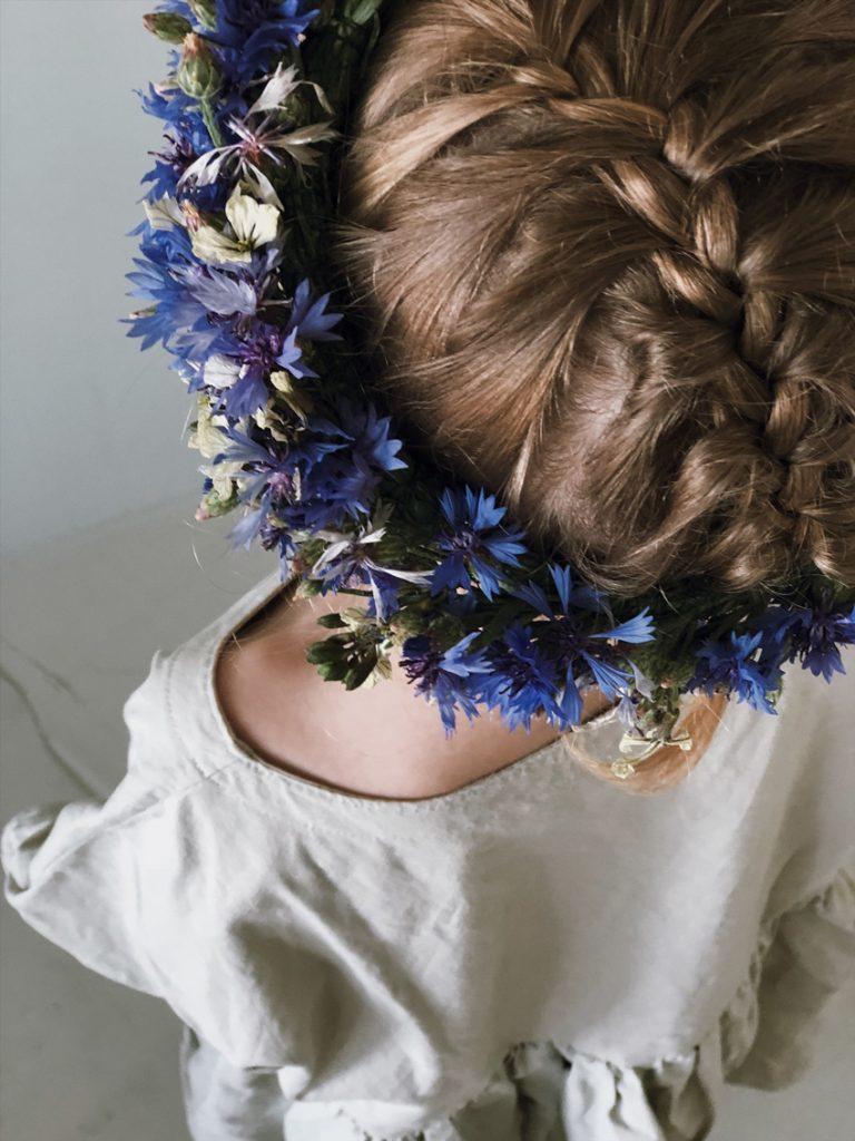 Blumenkranz Zopf Haarkranz Haarschmuck Kinderfest Hochzeit 768x1024 - DIY | wunderschöne Blumenkränze - einfach und simpel