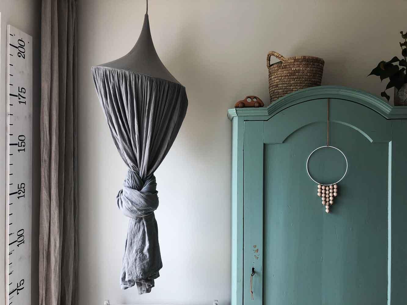 Kinderzimmer Deko Wachstumslineal Baldachin Bauernschrank retro - 5 Min DIY | eine schlichte Dekoration für´s Kinderzimmer