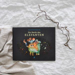 2018 Bohem Die Nacht des Elefanten Buch Seite Titel 300x300 - Die Nacht des Elefanten