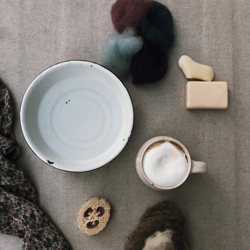 1 Seife filzen Stein Schafsmilch Maerchenwolle - DIY | KW 35