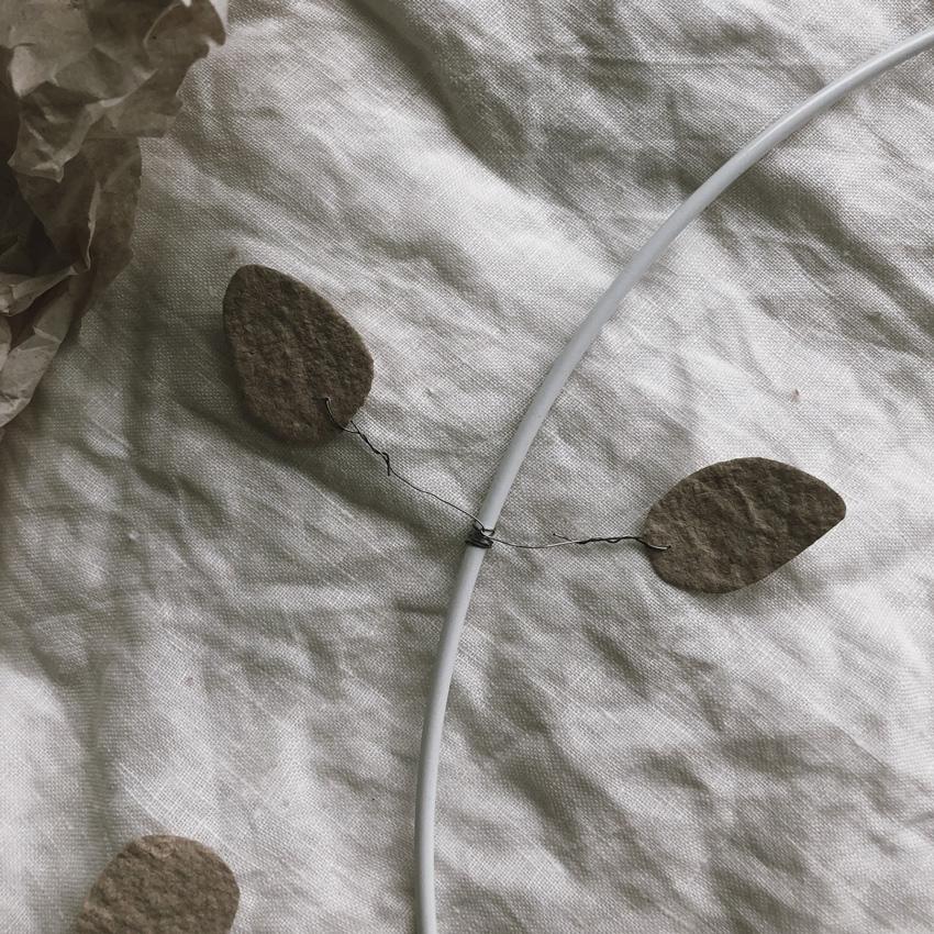 coffee DIY Papier schoepfen Blaetterkranz 06 - DIY | ein Blätterkranz aus handgeschöpftem Papier