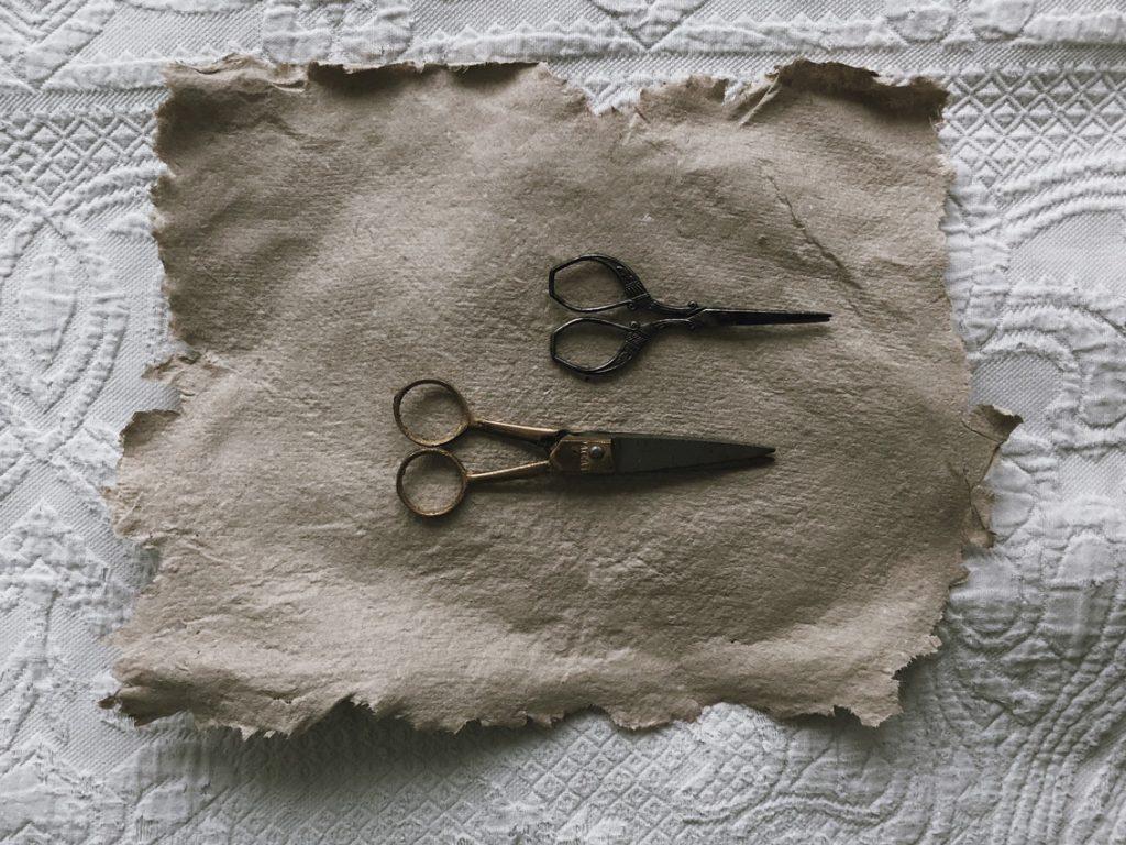 coffee DIY duennes Papier Blaetterkranz 02 1 1024x768 - DIY | ein Blätterkranz aus handgeschöpftem Papier
