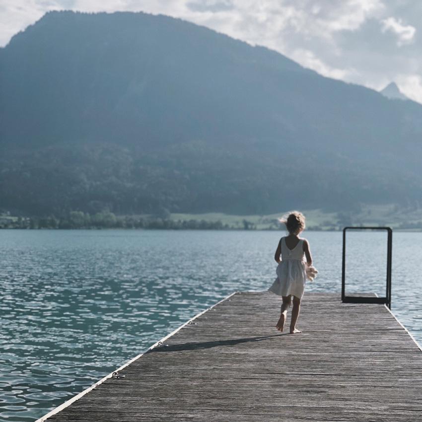 visit austria sehnsuchtskampagne familie urlaub wolfgangsee Kind - Ankommen im Urlaub | Familienurlaub in Österreich