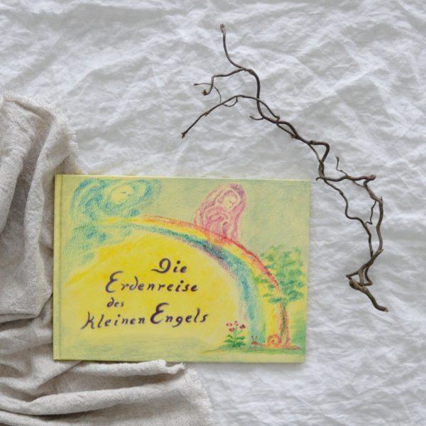2019 Freies Geistesleben Erdenreise Seite Titel 600x600 - Die Erdenreise des kleinen Engel