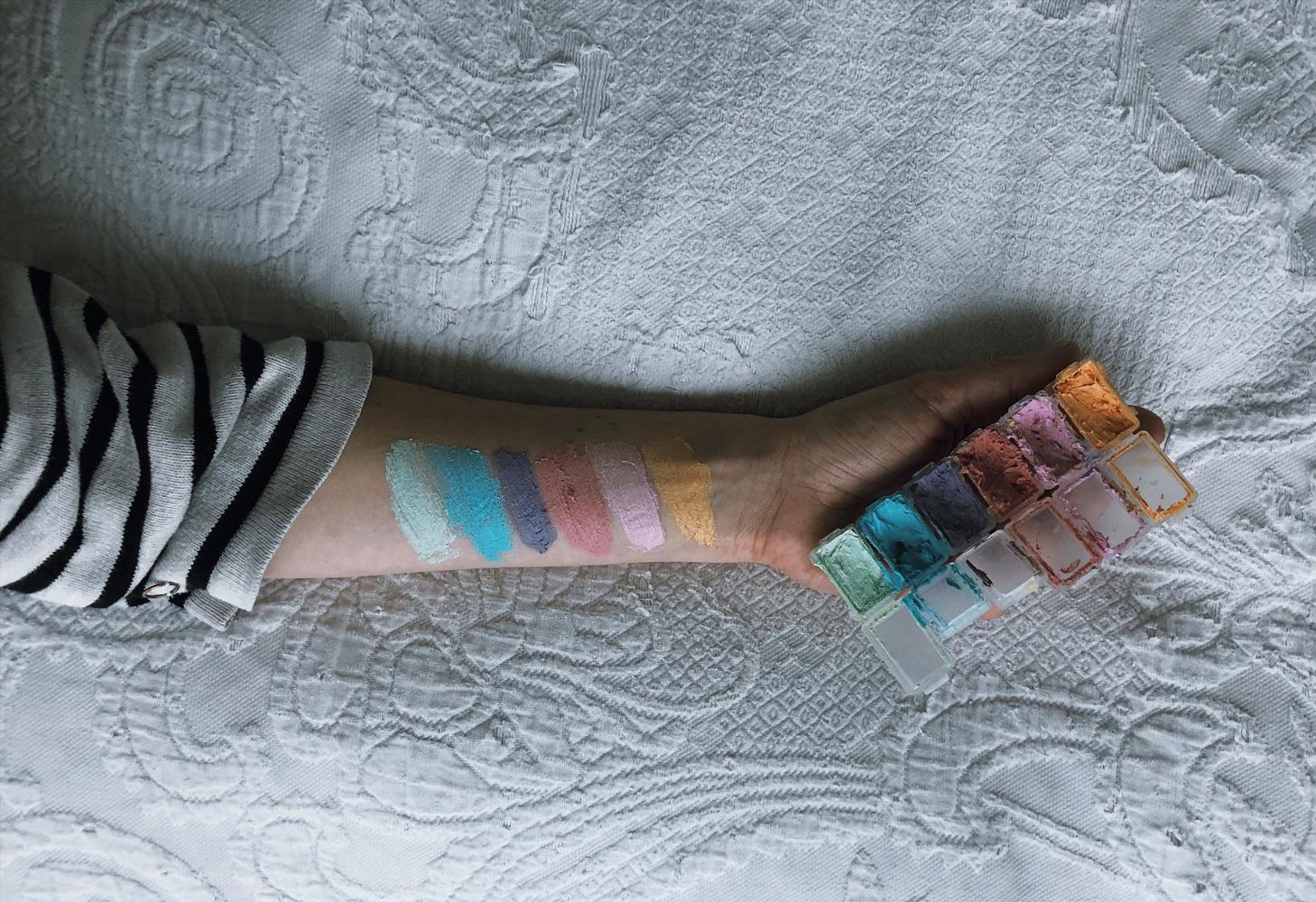 coffeeDIY Kinderschminke unbedenklich diy rezept farben hautvertraeglich titel - DIY   hautverträgliche Kinderschminke einfach selbstgemacht