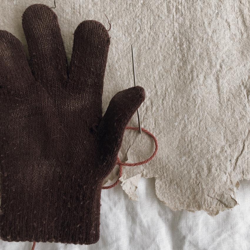 coffeeDIY upcycling Handschuh Musik Instrument Gloeckchen Kinderspielzeug 02 - DIY | Upcycling Musikinstrument aus alten Handschuhen