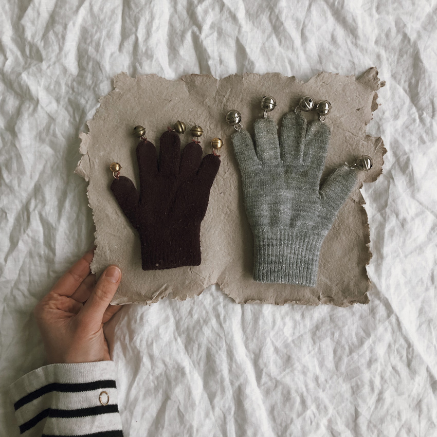 coffeeDIY upcycling Handschuh Musik Instrument Gloeckchen Kinderspielzeug 05 - DIY | Upcycling Musikinstrument aus alten Handschuhen