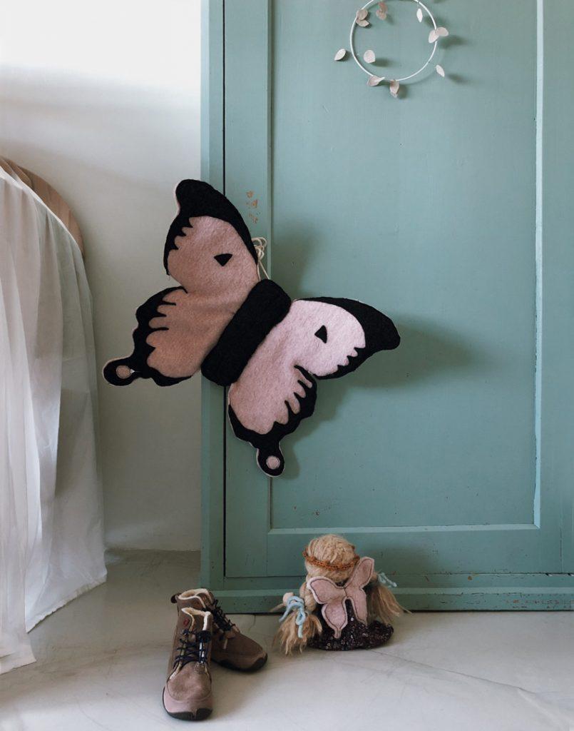 rockmydayDIY Kostuem Schmetterling Fluegel Wolle nachhaltig Schnittmuster 05 805x1024 - 14 nachhaltige DIY-Kostüme ohne Plastik