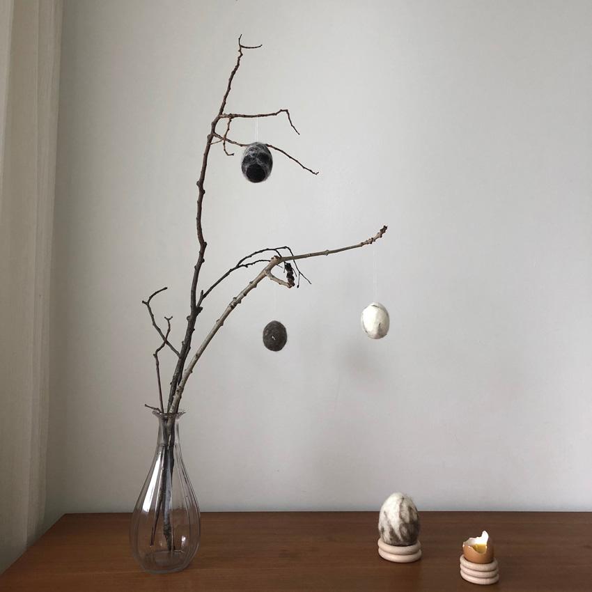 DIY Eier filzen umfilzen nassfilzen Osterdeko Osterei Ast 01 - DIY | nachhaltige Ostereierdeko - wundervoll umfilzt