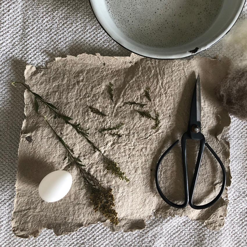 DIY Eier filzen umfilzen nassfilzen Osterdeko Osterei Ast 05 - DIY | nachhaltige Ostereierdeko - wundervoll umfilzt