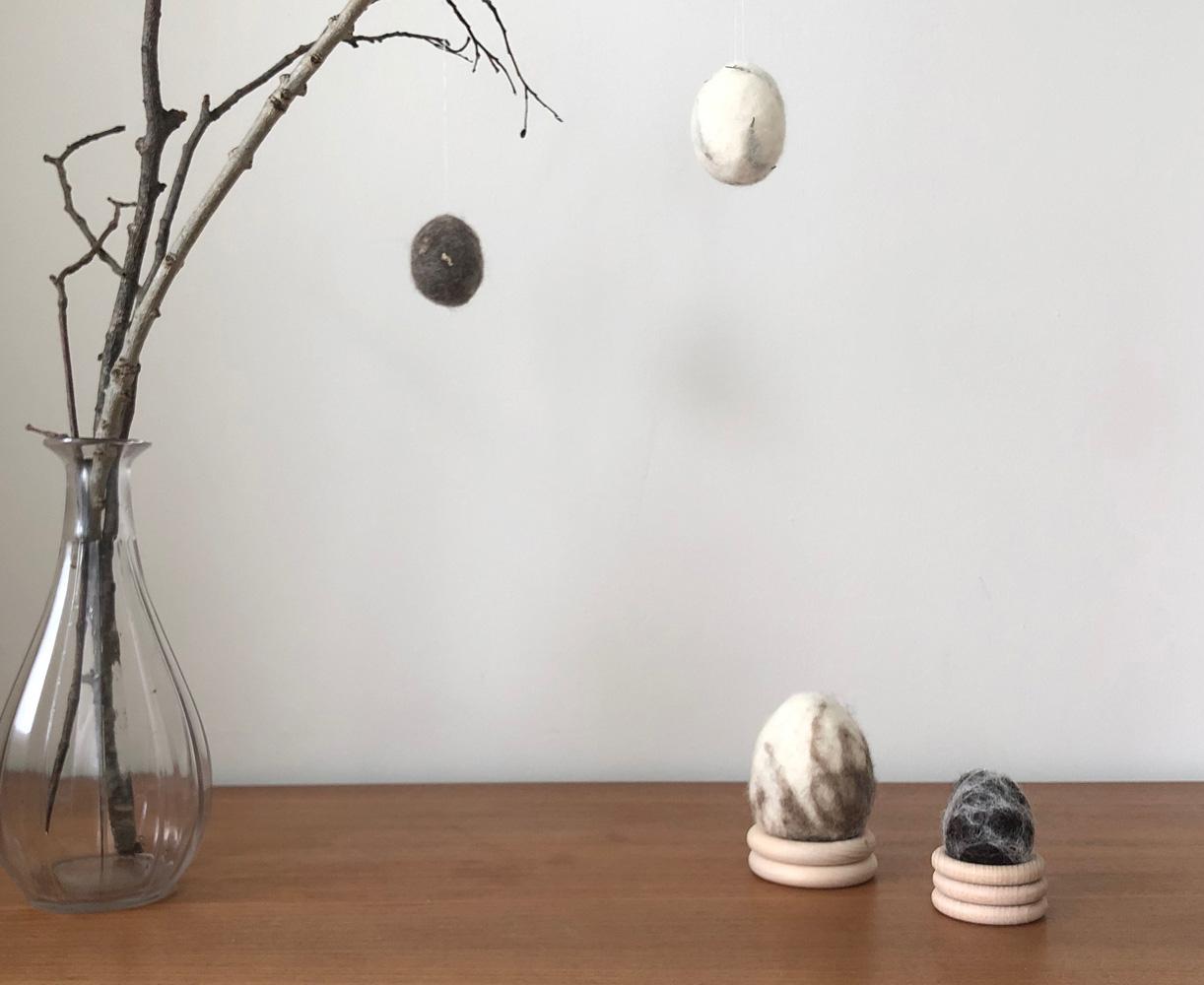 DIY Eier filzen umfilzen nassfilzen Osterdeko Osterei Ast Titel - DIY | nachhaltige Ostereierdeko - wundervoll umfilzt