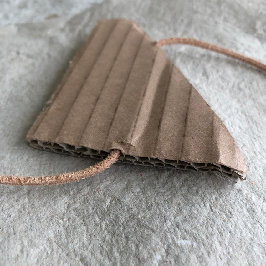 coffee DIY Windspiel Faedeln Karton upcycling 04 - DIY | upcycling Windspiel aus alten Kartons