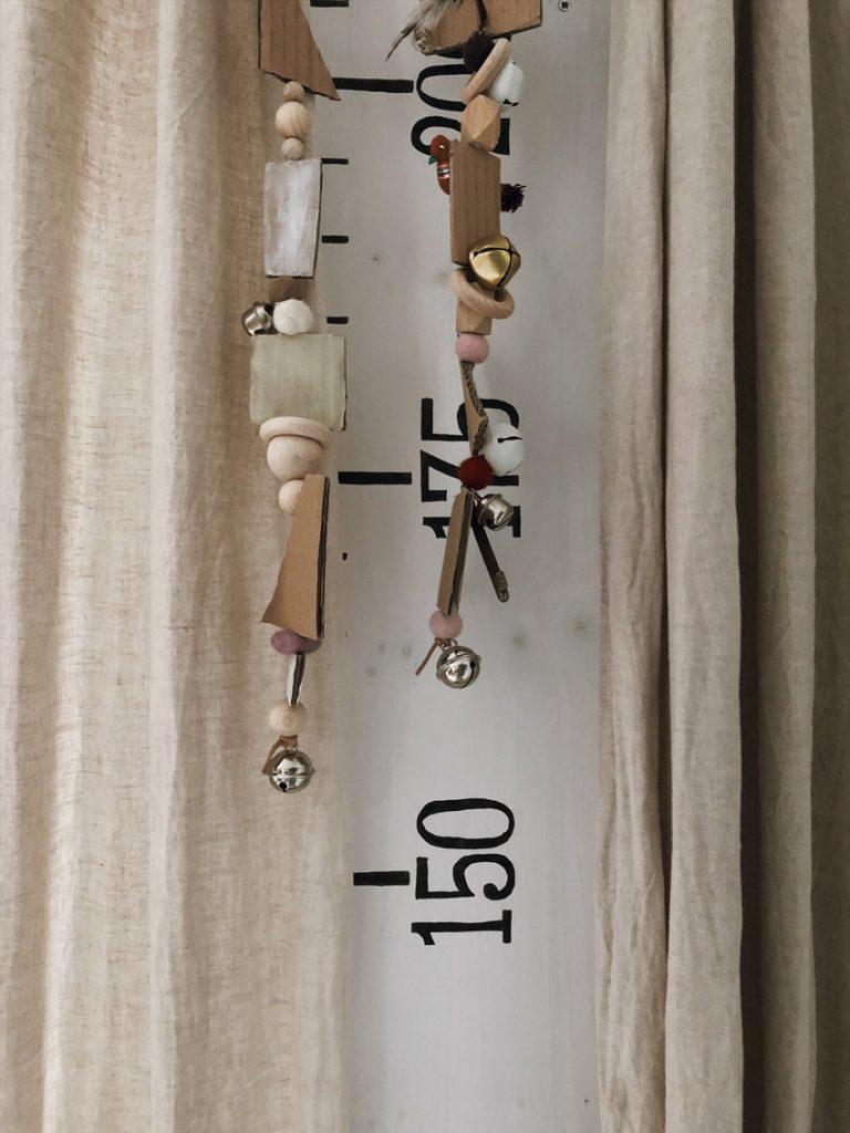 coffee DIY Windspiel Faedeln Karton upcycling Messlatte 768x1024 - DIY | upcycling Windspiel aus alten Kartons