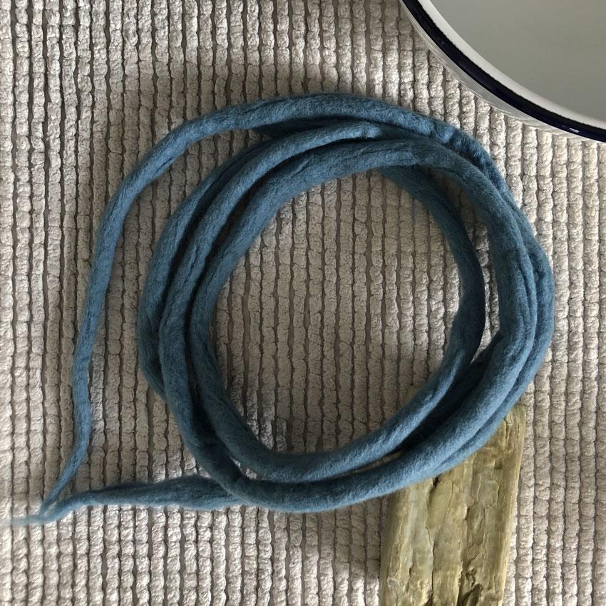 11 Filzschnur Maerchenwolle filzen Nassfilzen bunt - Filzschnüre | ganz einfach selbst gemacht + eine Menge an wundervollen Spielideen