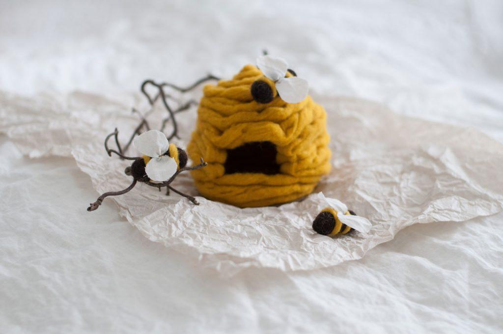 Filzbienen Bienenstock filzen Schurwolle Nassfilzen 1 1024x680 - DIY | Bienen filzen