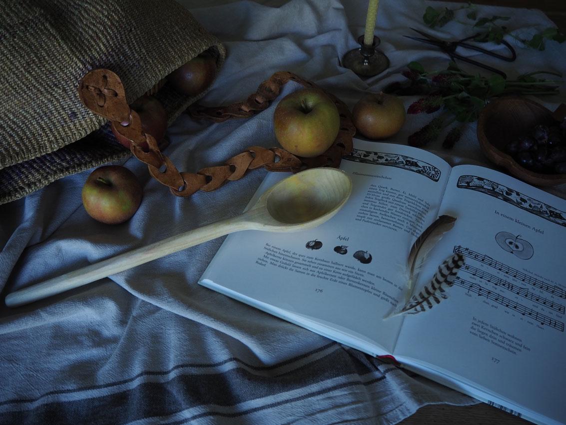191022 Apfel Hagebutten Rosen Herbst Jahreszeiten Buch - rund um den Apfel | von Apfeltee, Apfelchips und magischen Momenten
