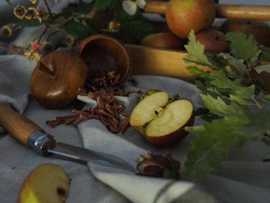191022 Apfel Hagebutten Rosen Herbst Tee nah - rund um den Apfel | von Apfeltee, Apfelchips und magischen Momenten