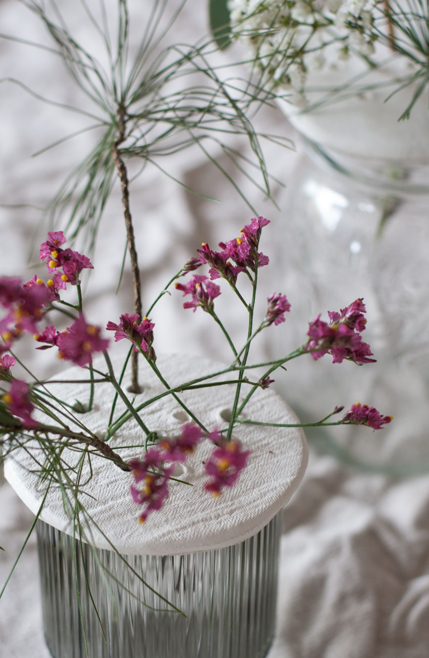 DIY Modelliermasse Blumen Stecker Arrangement 10 - achtsam im Advent | Die schönsten Geschenke aus Modelliermasse